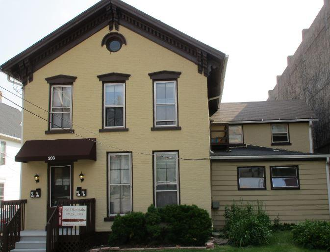 One BR Apartment in Quiet Building - Madison. $905/mo Apartments photo #1