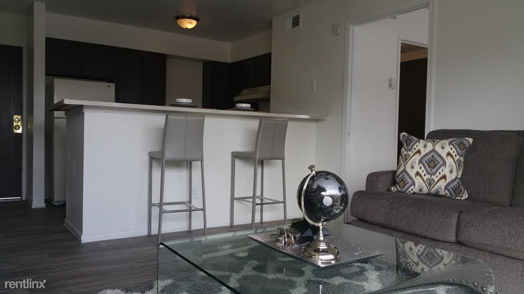 The Cove on 44th Apartments photo #1