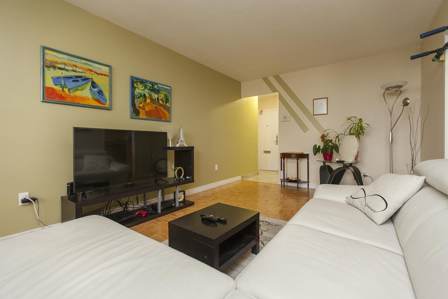 110 erskine avenue apartments is a 12 minute walk from the 1 line 1