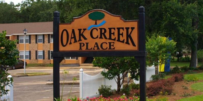 Oak Creek Place Apartments Photo #1