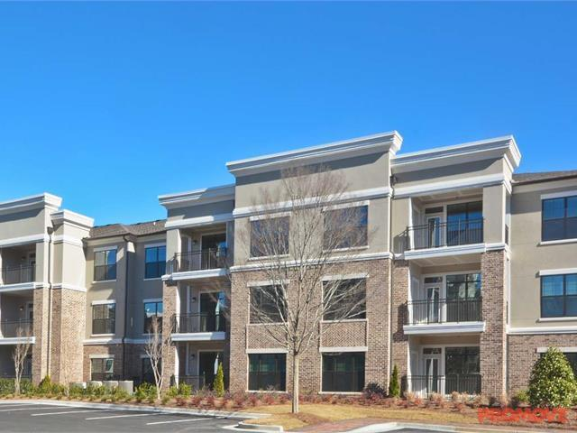 The Heights at Sugarloaf Apartments photo #1