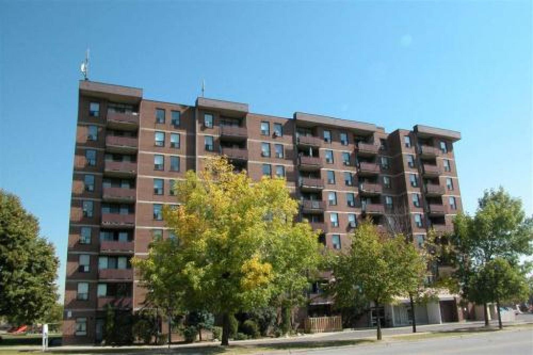 37 Eastbourne Drive Apartments, Brampton ON - Walk Score