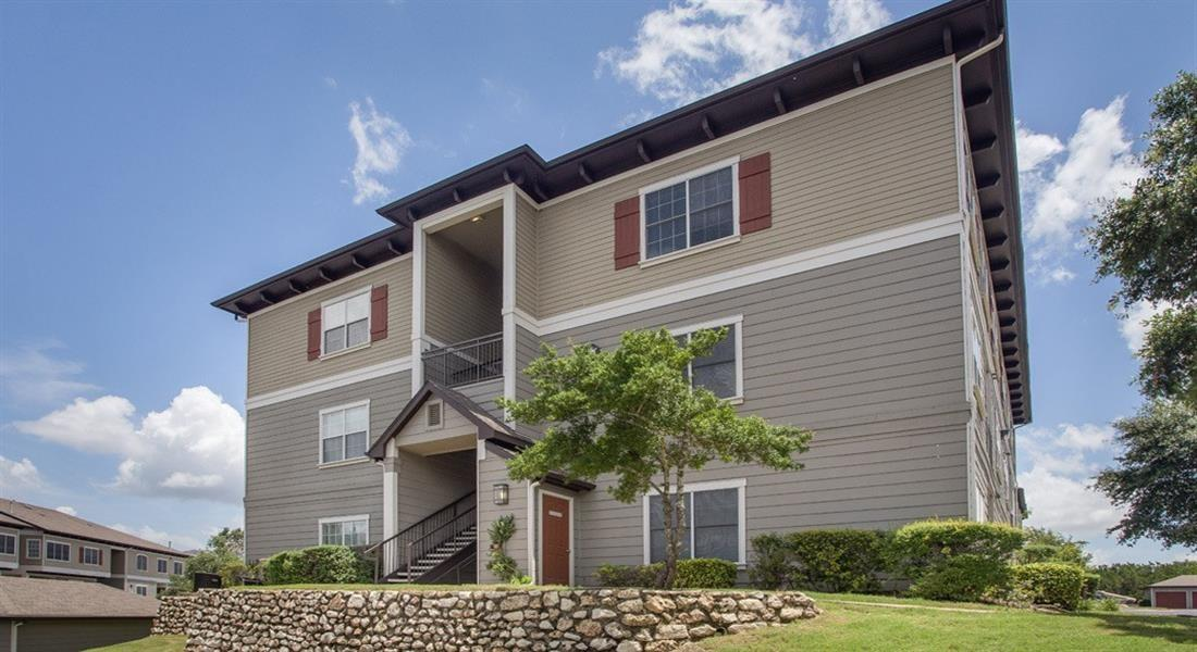 Highlands hill country apartments austin tx walk score for 2 bedroom apartments in austin