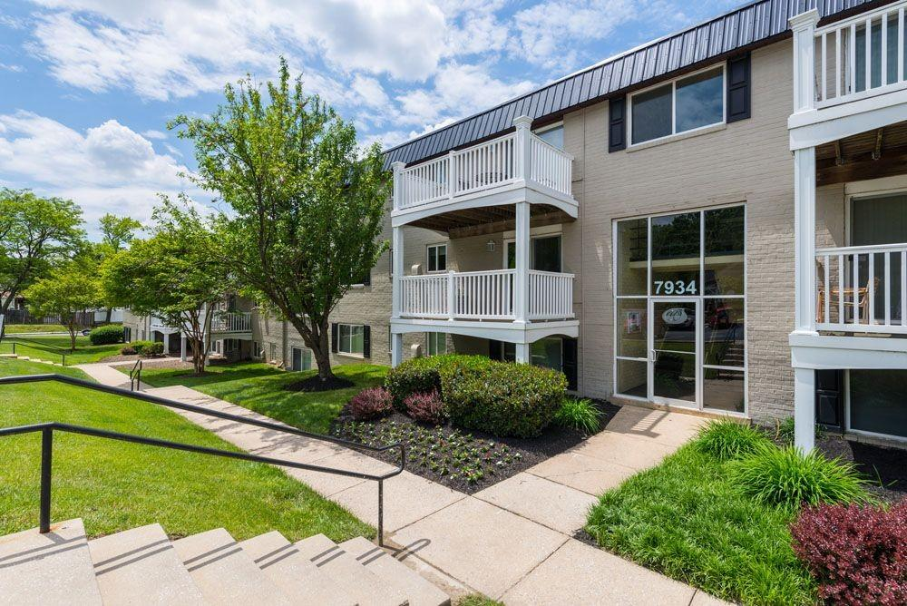 White Springs Crossing Apartments