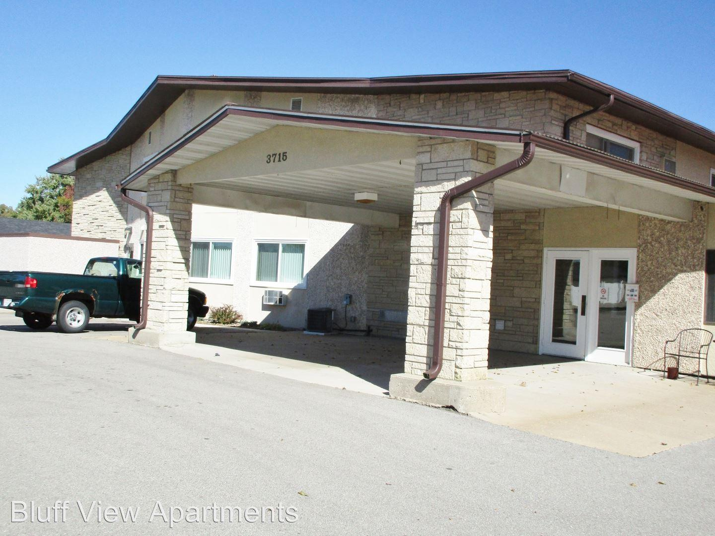 3715/3717 Mormon Coulee Road Apartments photo #1