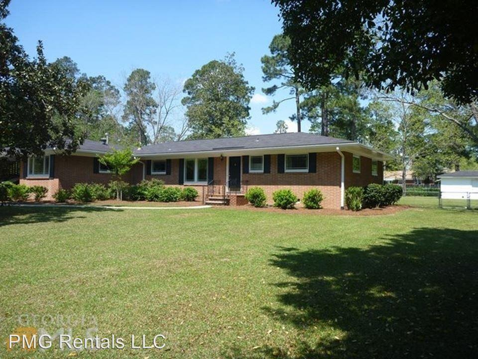 115 Holly Dr photo #1