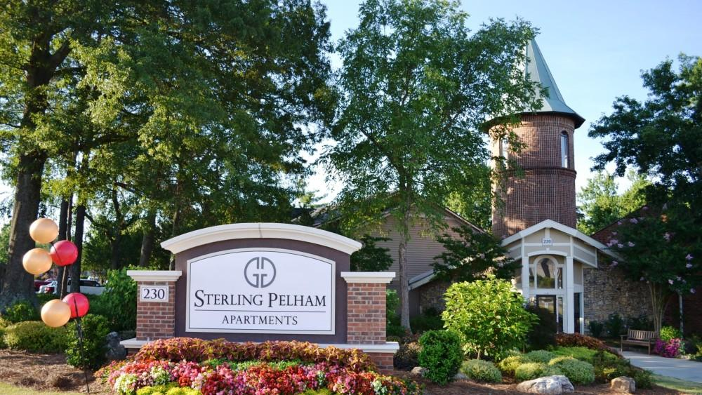 Sterling Pelham Apartments photo #1
