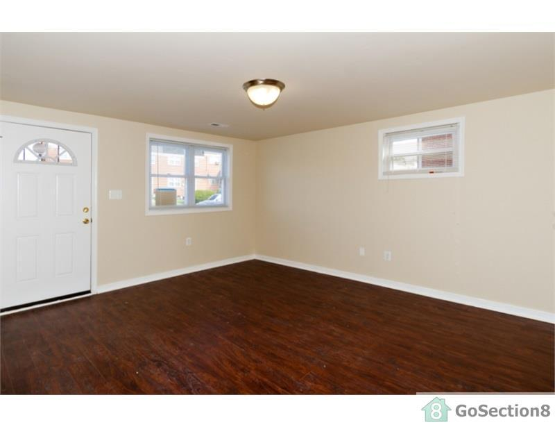 Baltimore, Great Location, Two BR Townhouse. Washer/Dryer Hookups!