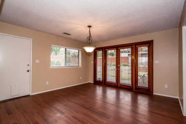 Beautiful San Bernardino House for rent - Here is a gorgeous home with dark wood floors throughout the home except nice tile in the kitchen and bathrooms