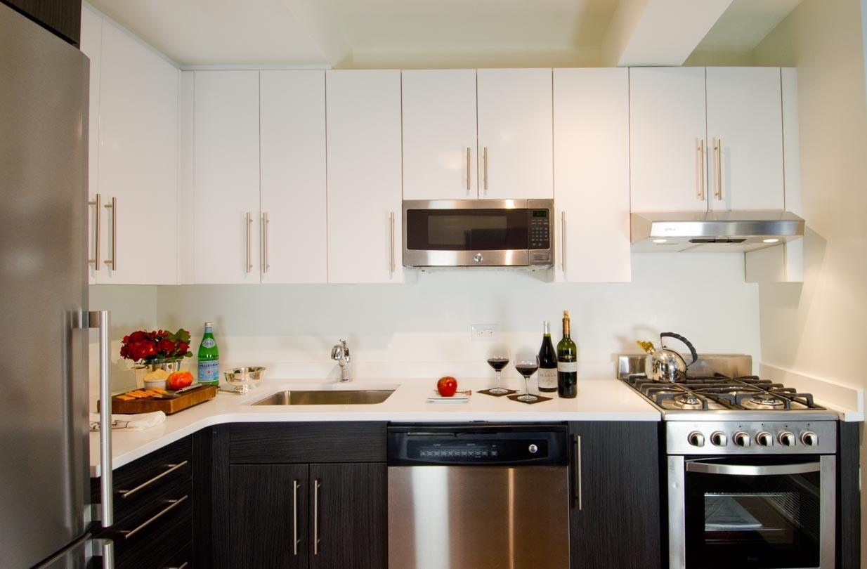360 West 34th Street Apartments photo #1