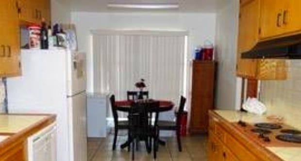 House for rent in Tempe. - Nice 3 bedroom 2 bathroom in Tempe available for lease