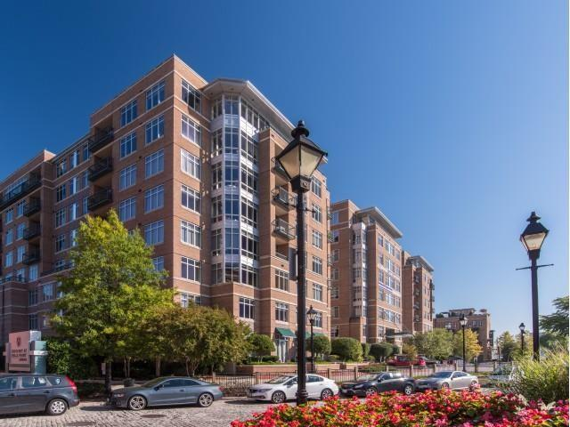 Crescent at Fells Point by Windsor Apartments photo #1