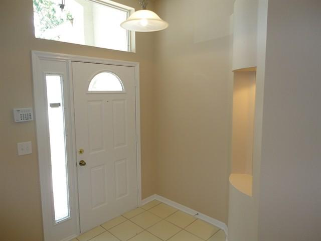 4008 Canter Court photo #1