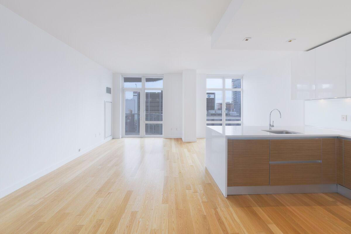 Condo in Upper West Side photo #1