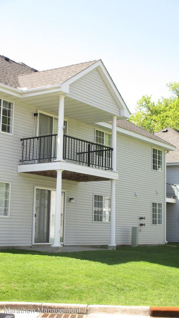 Lancaster Park Townhomes Apartments Plymouth Mn Walk Score