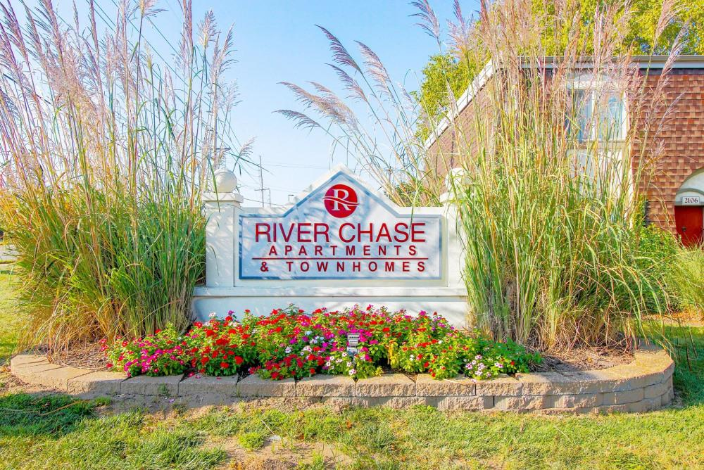 River Chase Apartments photo #1