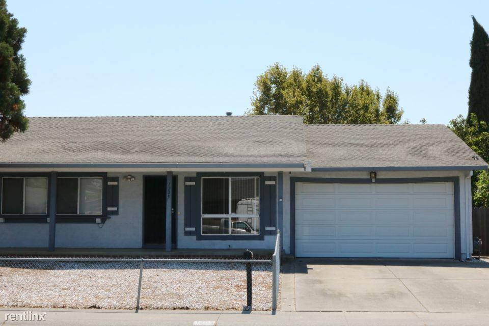 1205 Pintail Drive photo #1