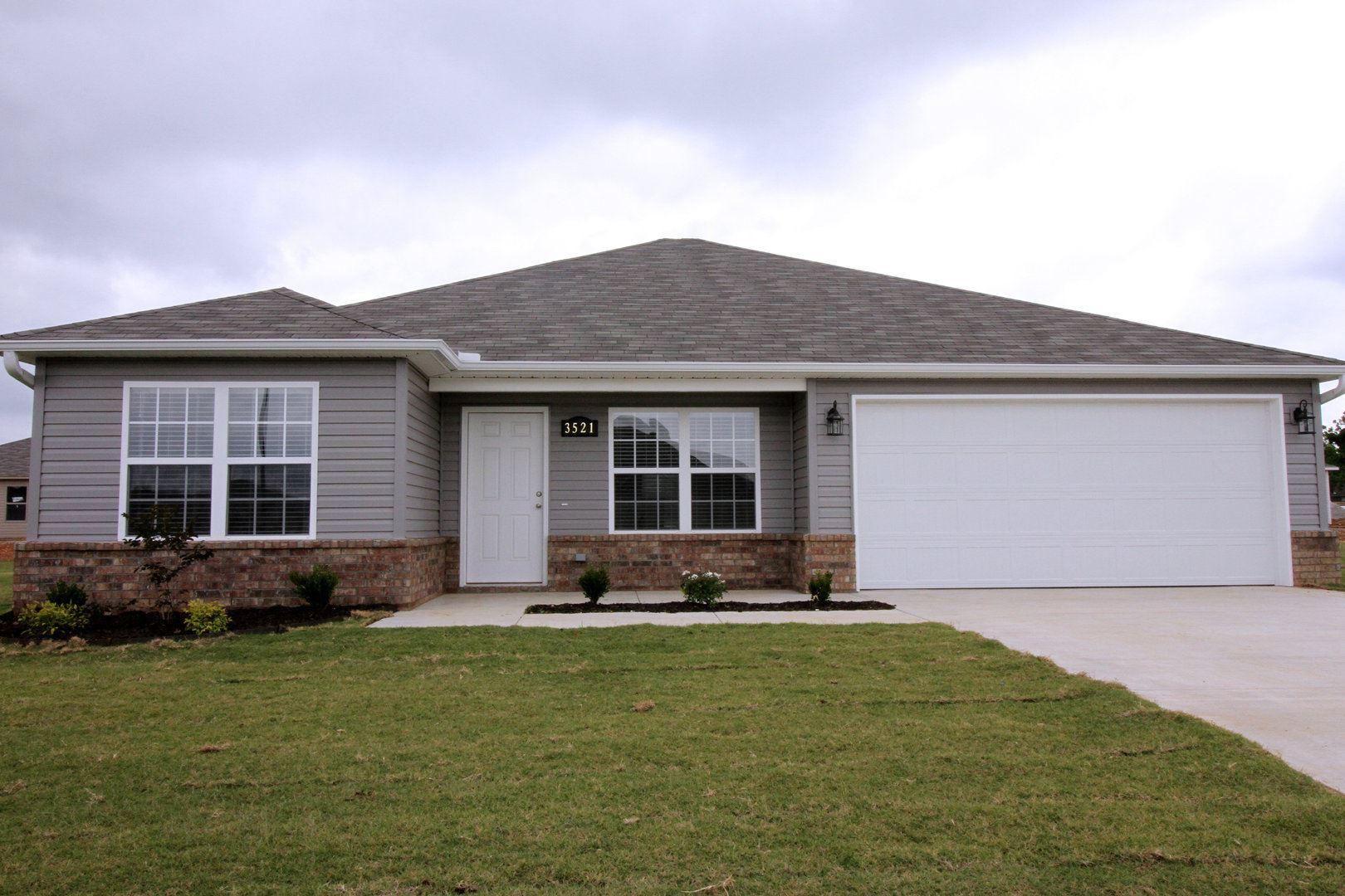 3357 Justice Drive photo #1