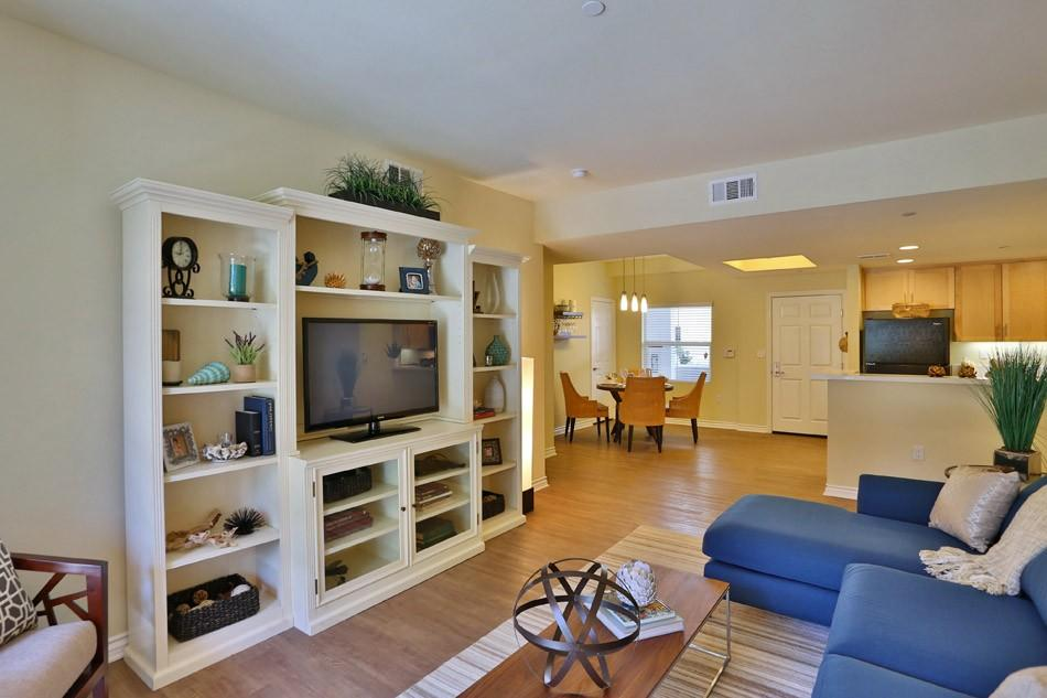 IMT Park Encino Apartments photo #1