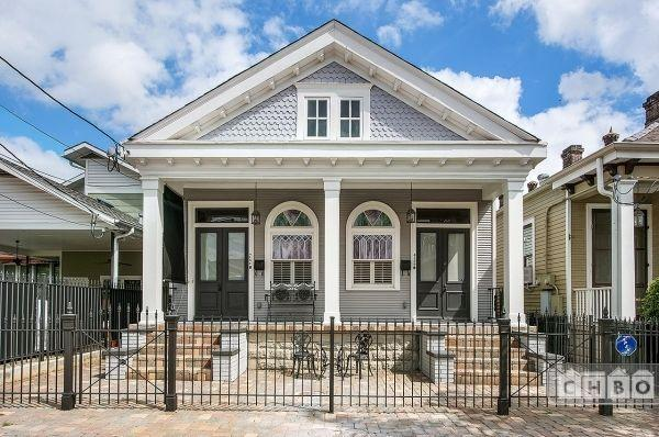 Two Bedroom In Mid-City