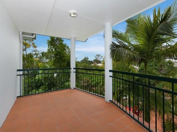 120 Indooroopilly Road photo #1