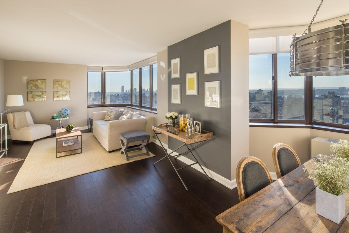 The perfect One BR apartment! Live with style in this full-service central Apartments photo #1