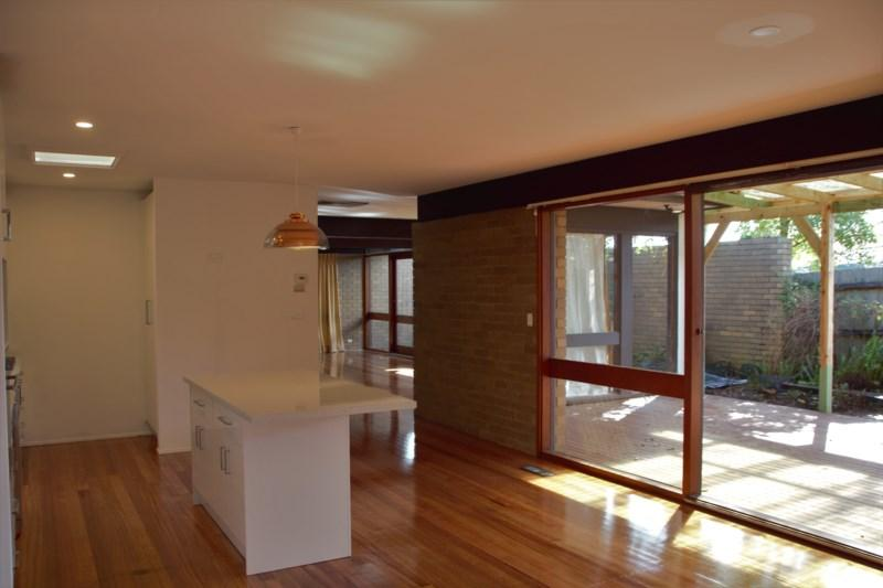 2 Sophora Court photo #1