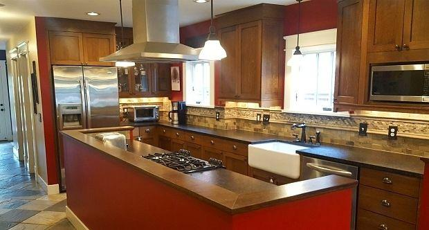 Beautiful craftsman bungalow - completely renovated in 2010. Parking Available!