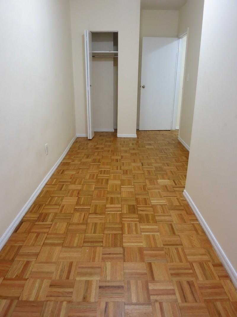 Huge Studio Apartment With Doorman And A Dressing Room On