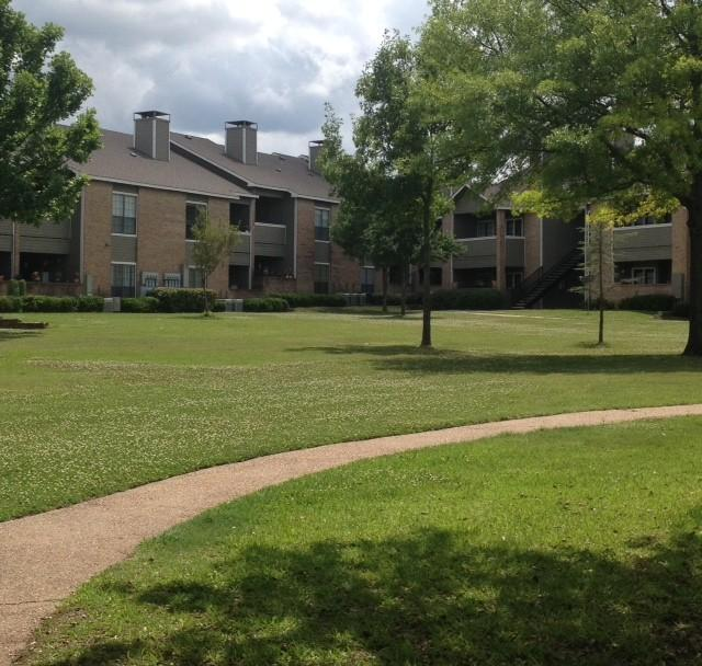 Clover Creek Apartments: Creekview Apartments, Sherman TX