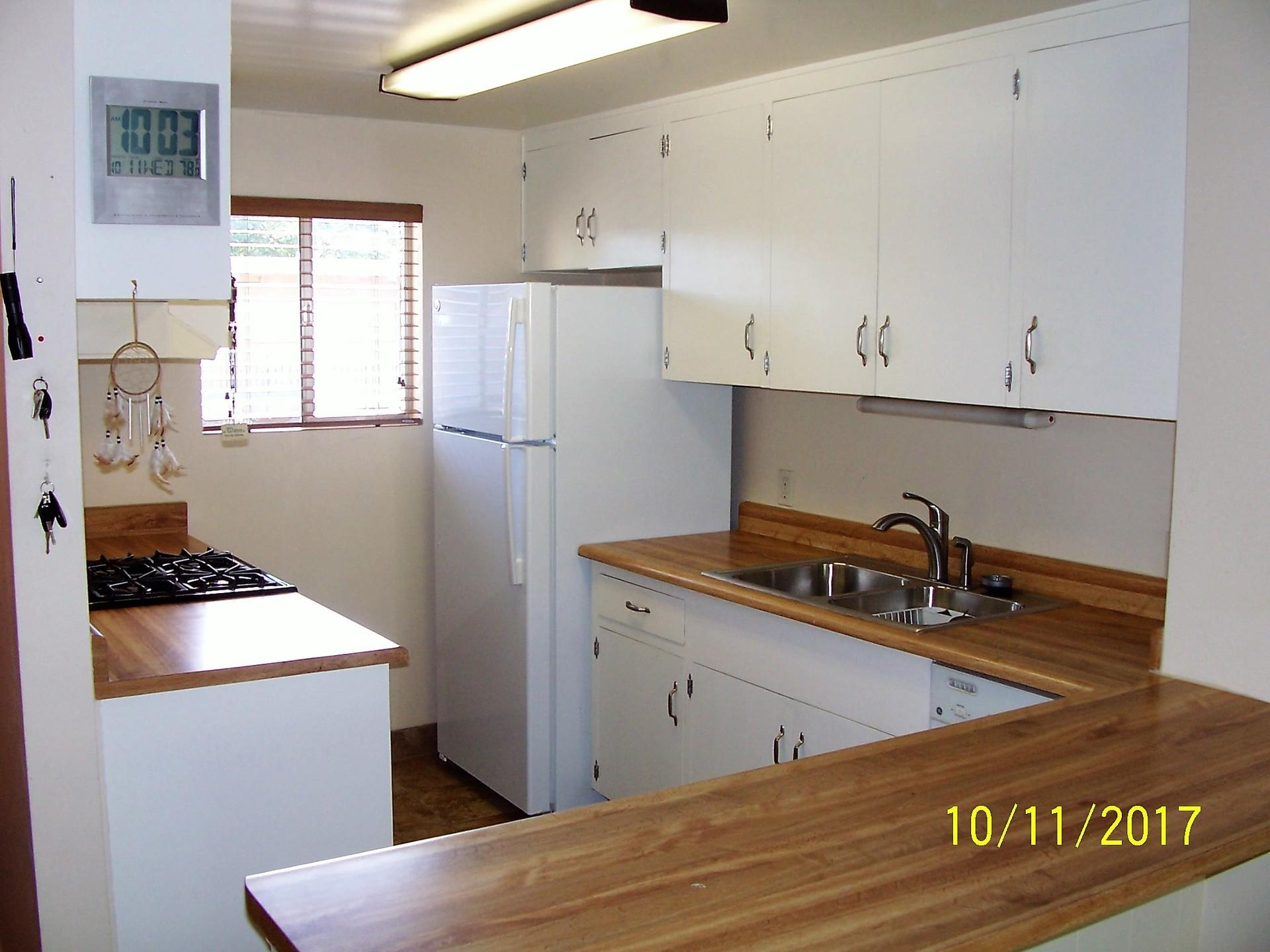 Redesigned Mid Century 1 BR Studio in Great Location Border of Old to... photo #1