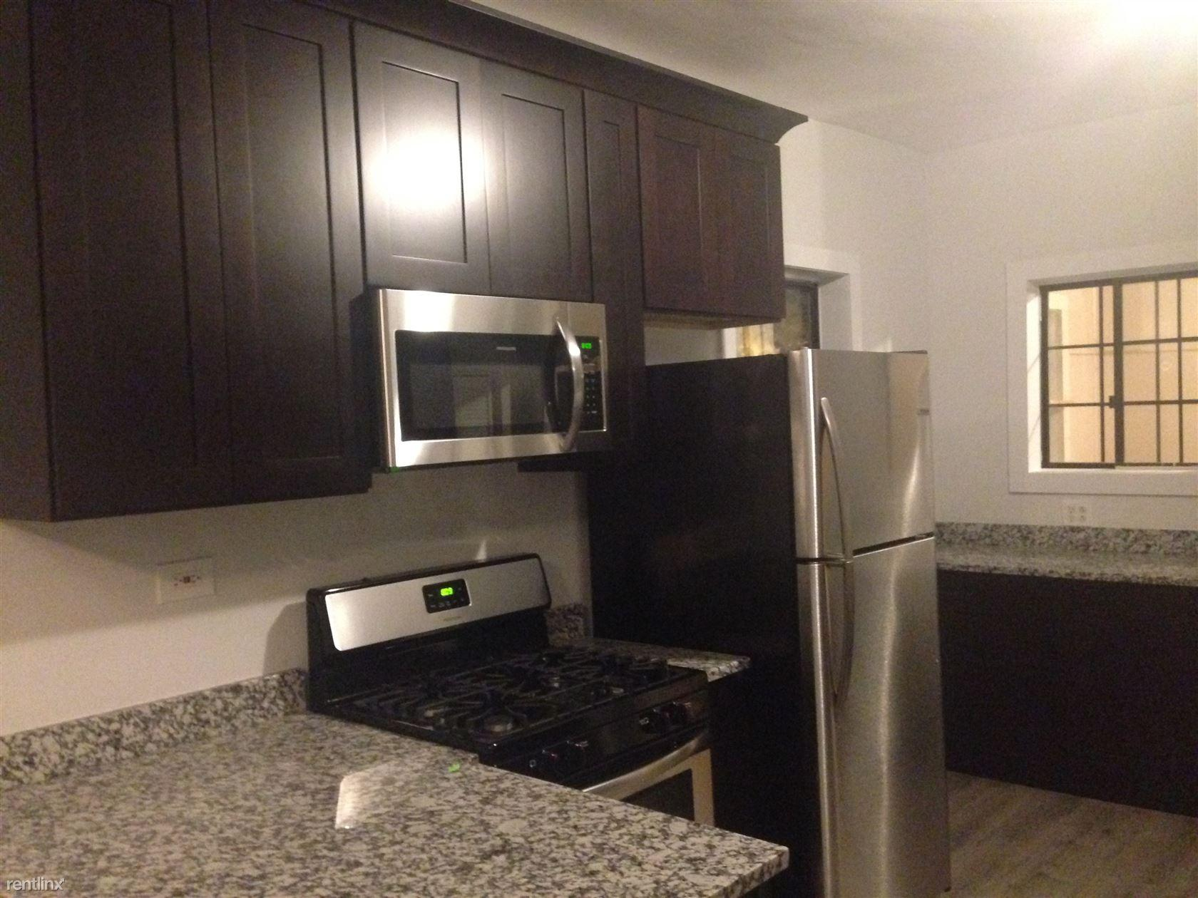 3225 W McLean Ave # 2 photo #1