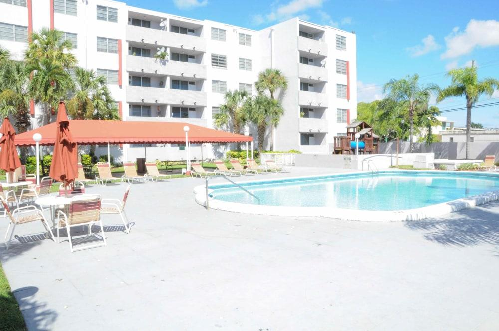 Suncoast Place Apartments photo #1