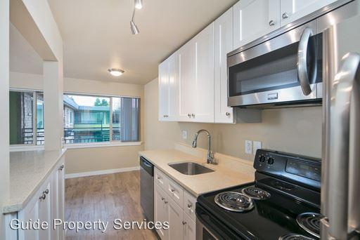 3939 15th Ave S photo #1