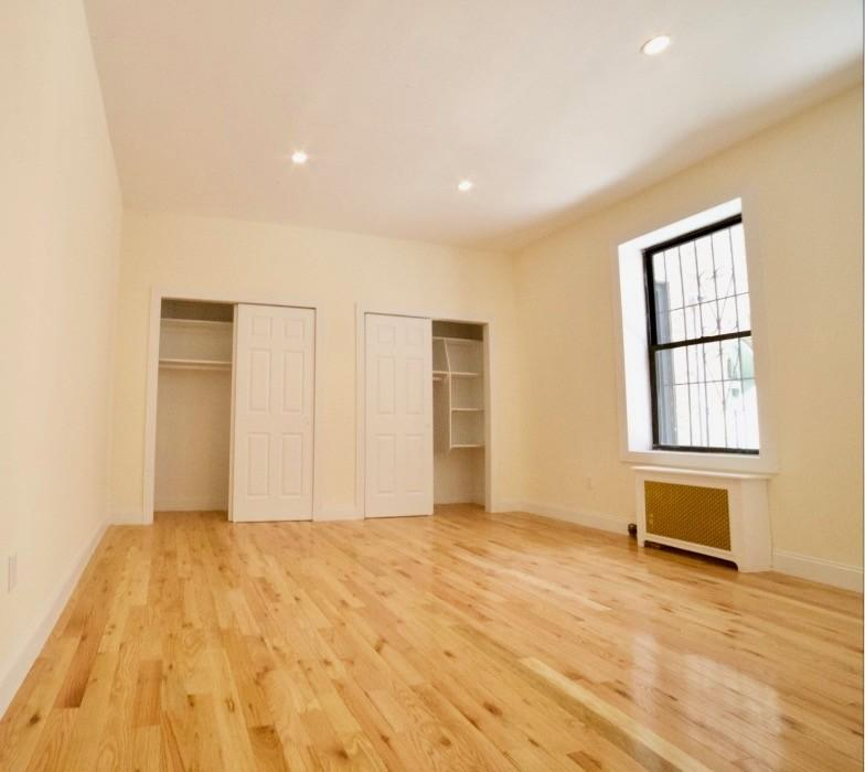 Apartment in Washington Heights Apartments photo #1
