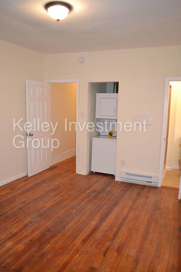 Philadelphia - 500 sq. ft. - in a great area. $650/mo