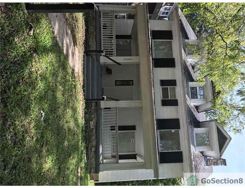 $1,000/mo - Duplex/Triplex - come and see this one.