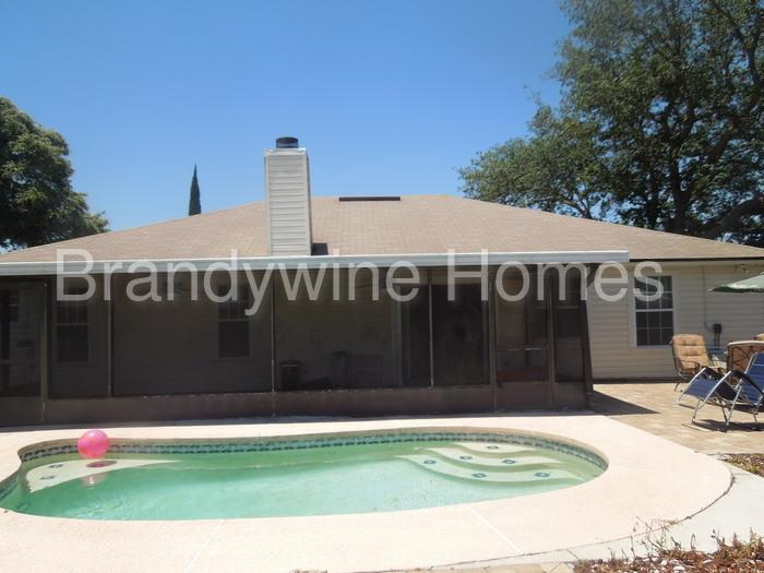 Move in Ready with POOL