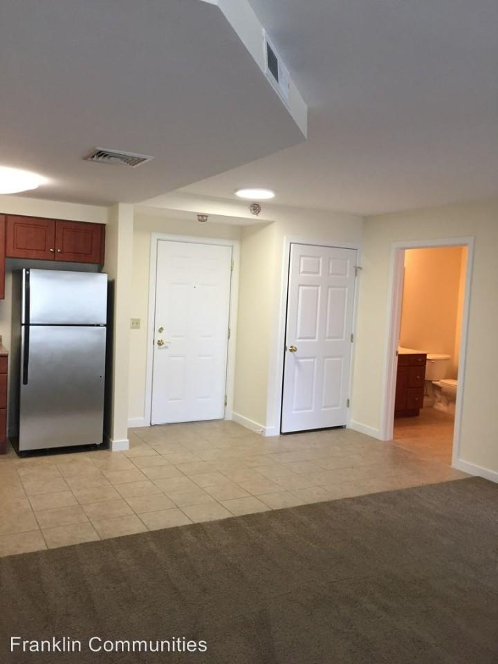 Chestnut Hill East Apartments photo #1