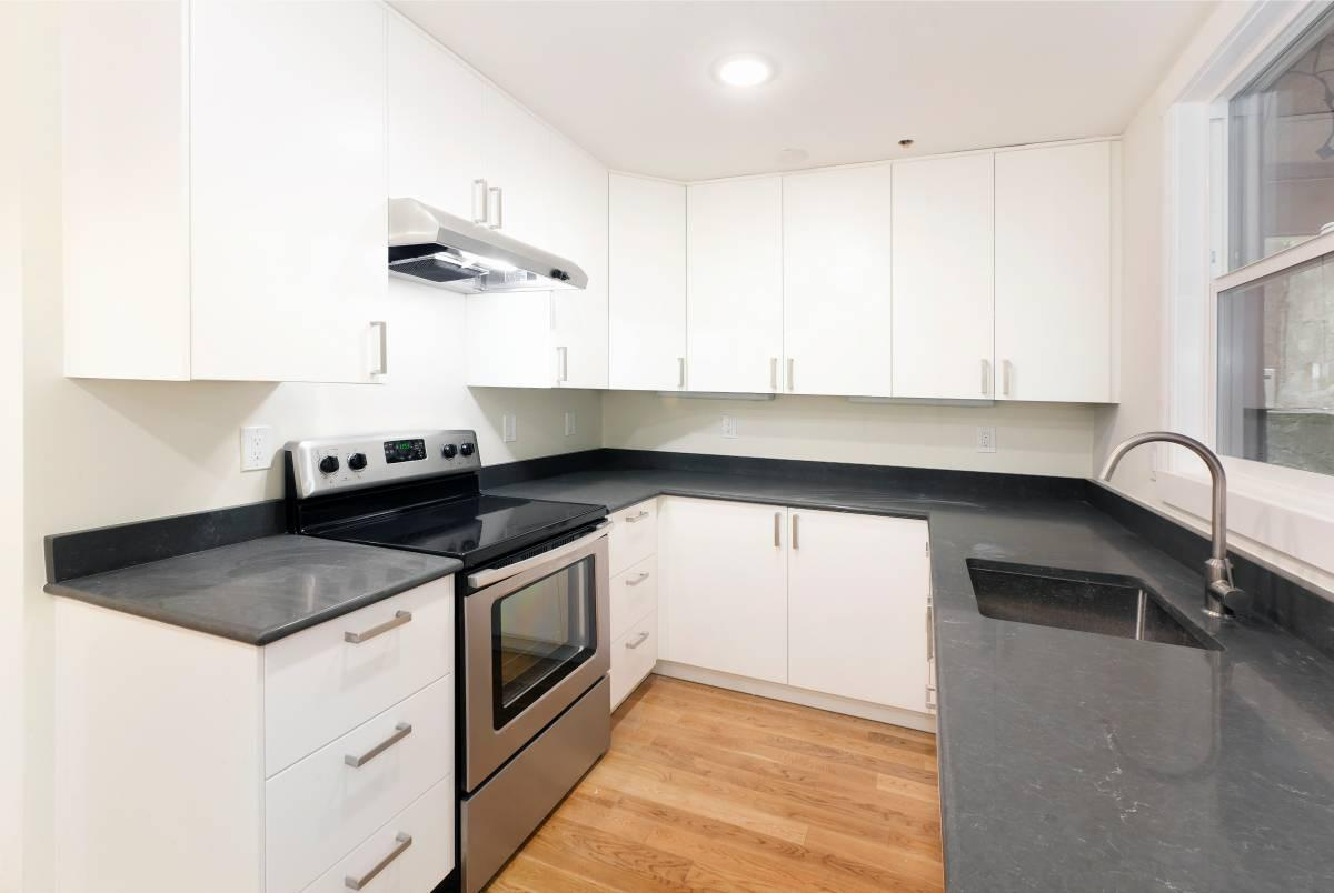 Bright San Francisco, One BR, One BA for rent. Street parking!