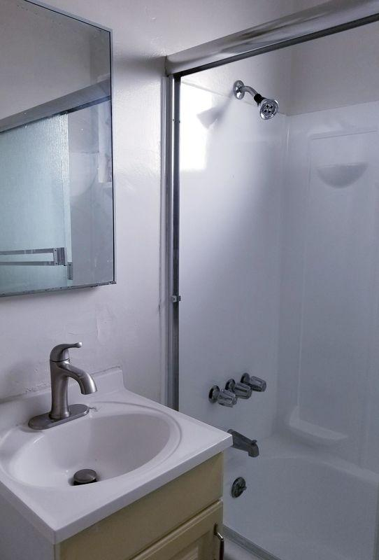 Apartment For Rent In. photo #1