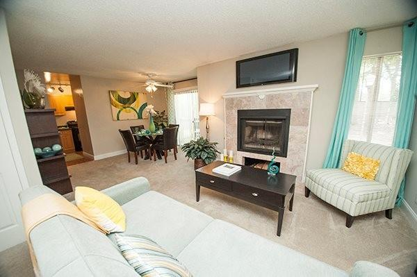 Sterling Oaks Apartments photo #1