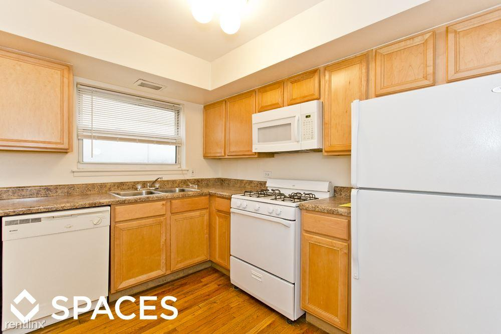 Spaces Real Estate photo #1