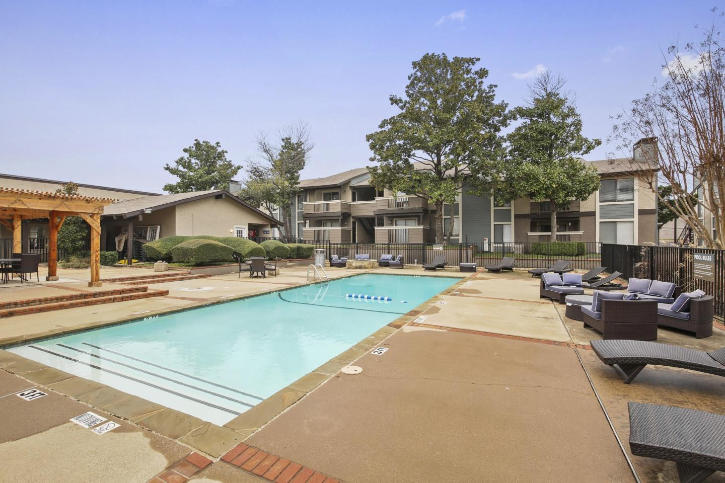 The Reserve at Lake Highlands Apartments photo #1