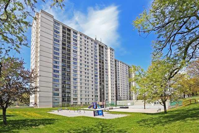 5 Parkway Forest Drive photo #1