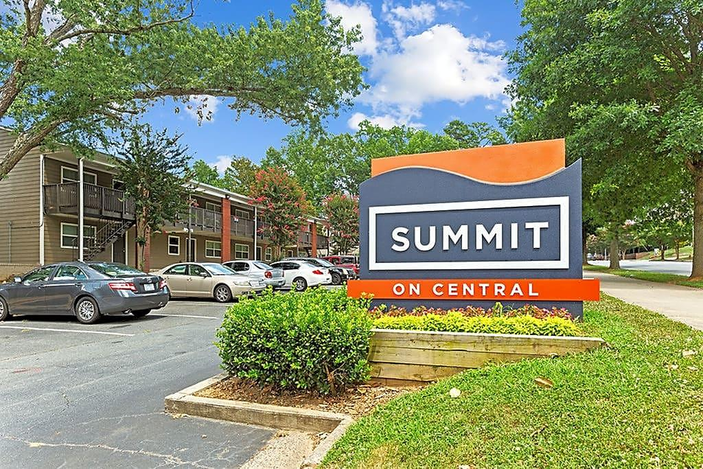 Summit on Central Apartments photo #1