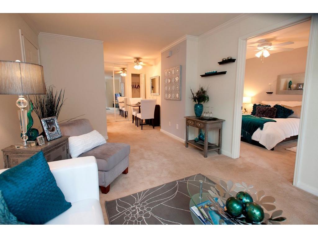 Bella Vista Apartments photo #1