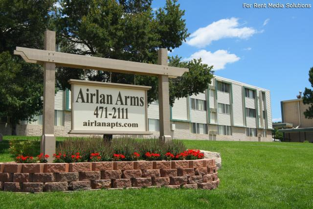 Airlan Arms Apartments photo #1