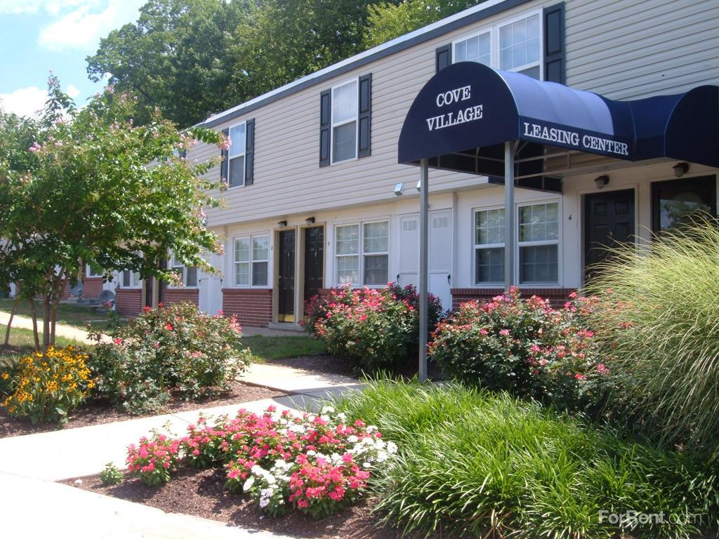 Cove Village Townhomes Apartments photo #1