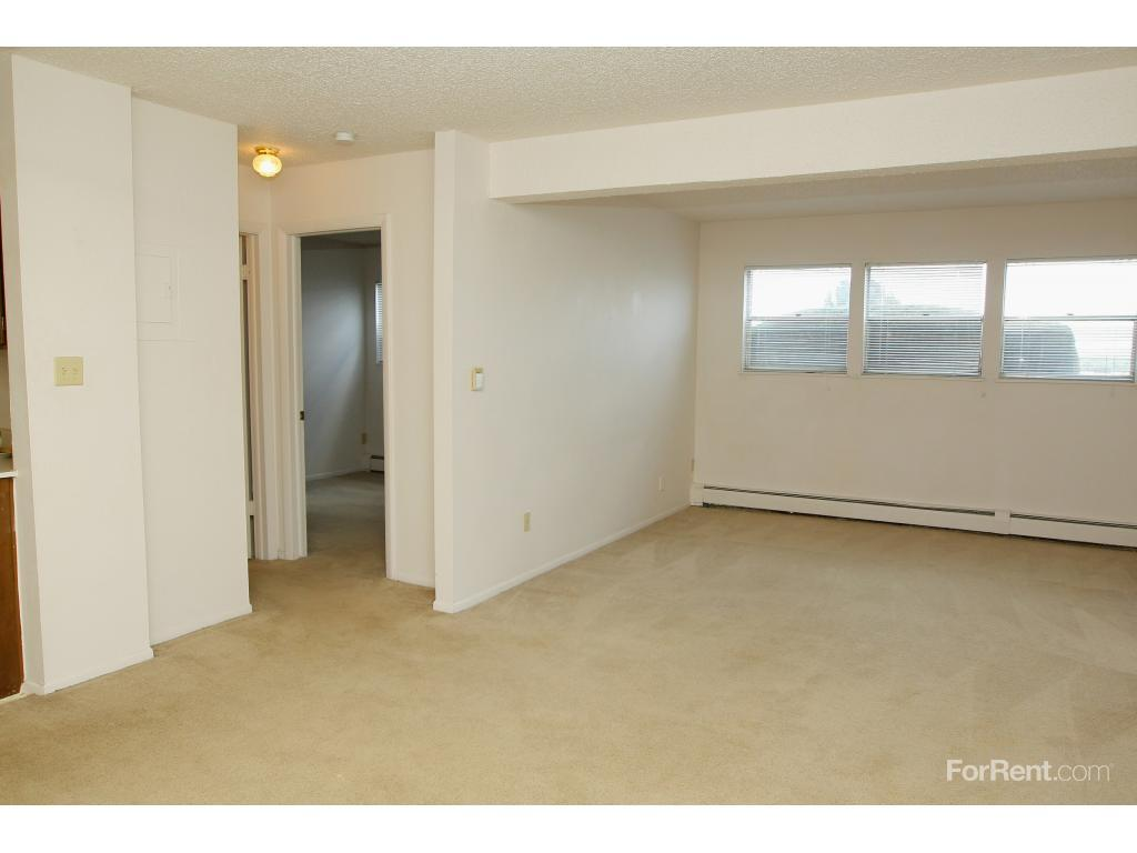 One Bedroom Apartments In Colorado Springs Spring Creek Apartments Colorado Springs Co Walk Score